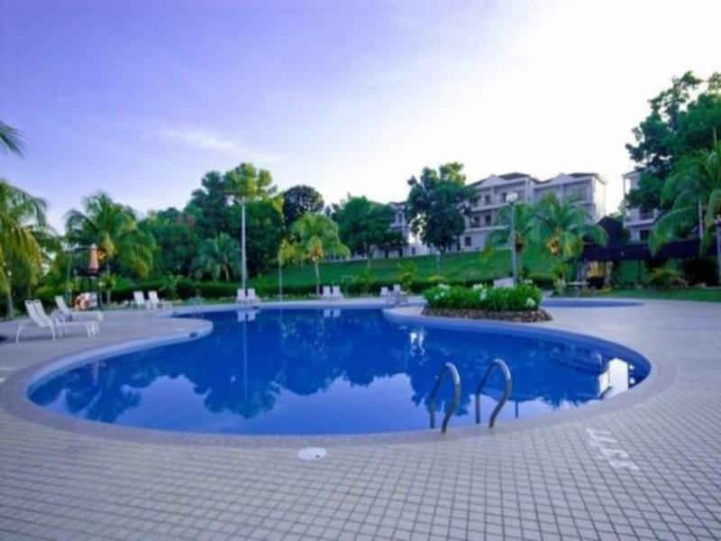 PD Golf & Country Club Swimming Pool